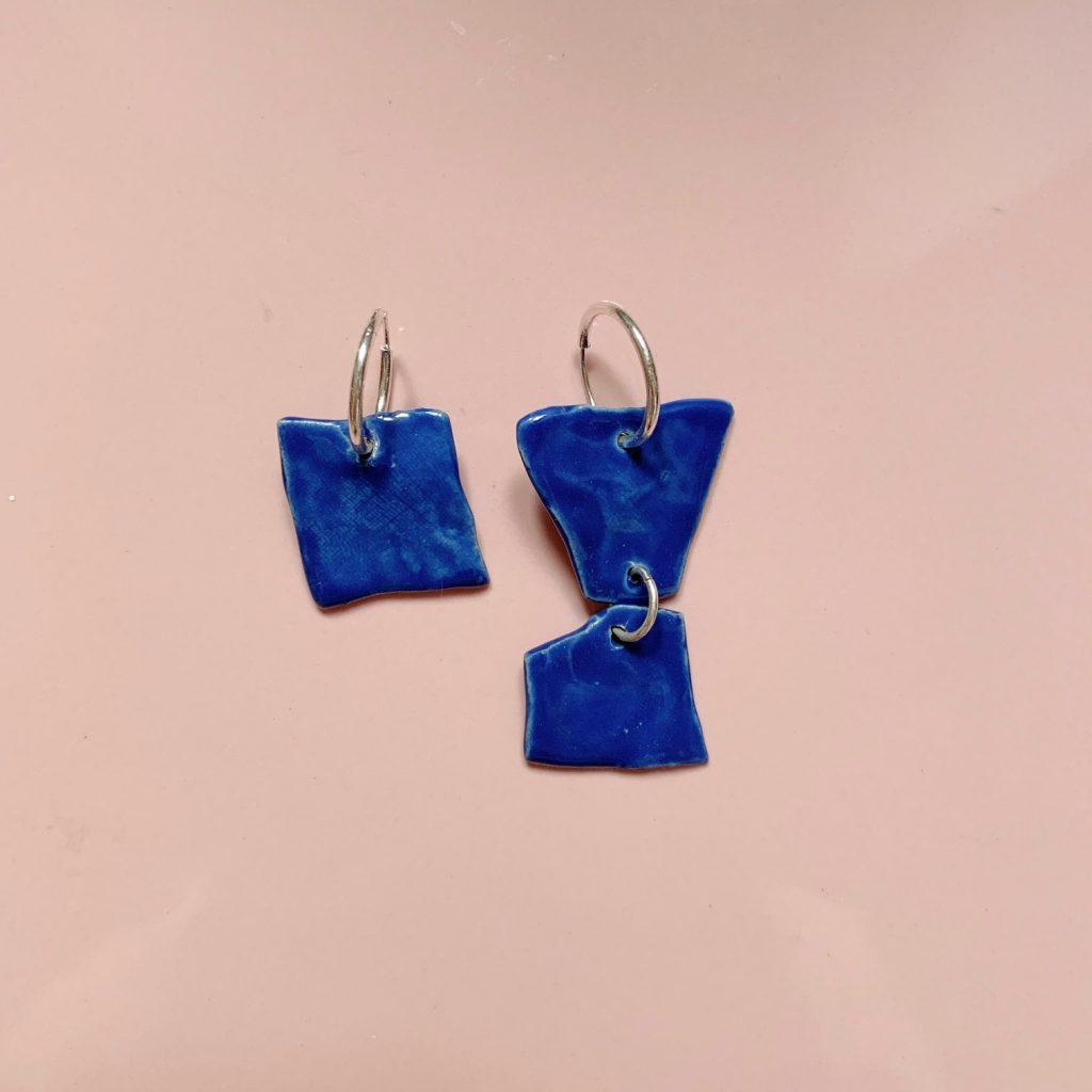 Pendientes asimétricos porcelana azules